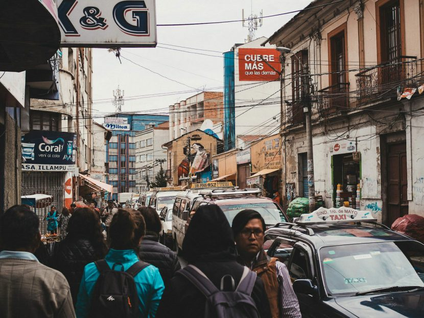Ulica pełna taksówek