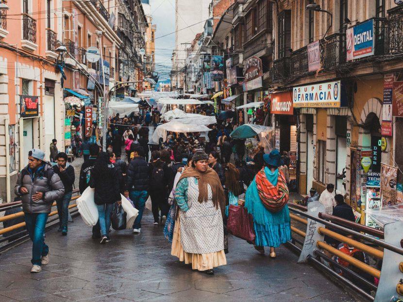 Ulica pełna ludzi