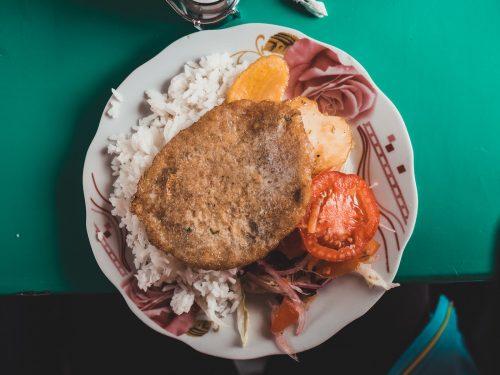 Kotlet ziemniaczany z ryżem i ziemniakiem