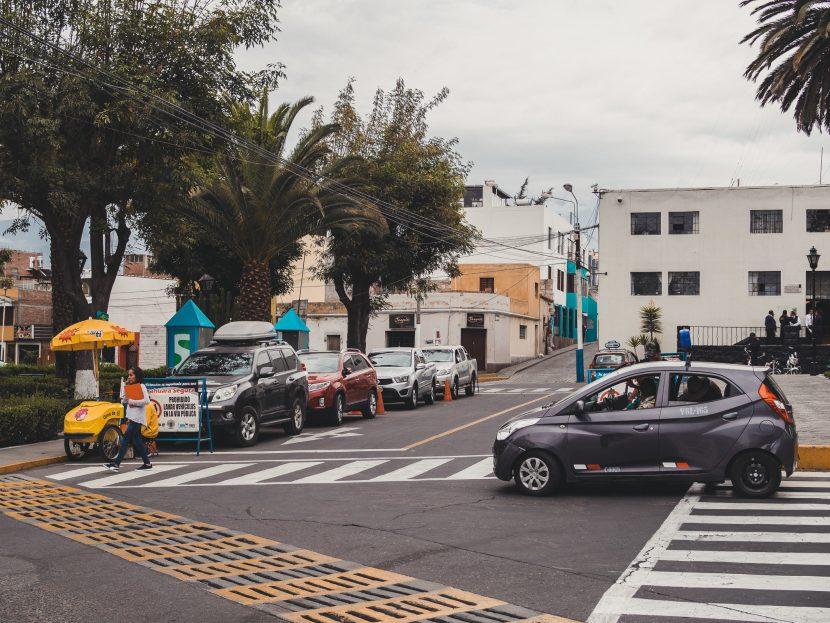 Skrzyżowanie w mieście