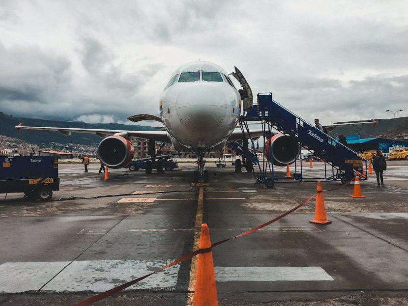 Samolot na lotnisku w Peru