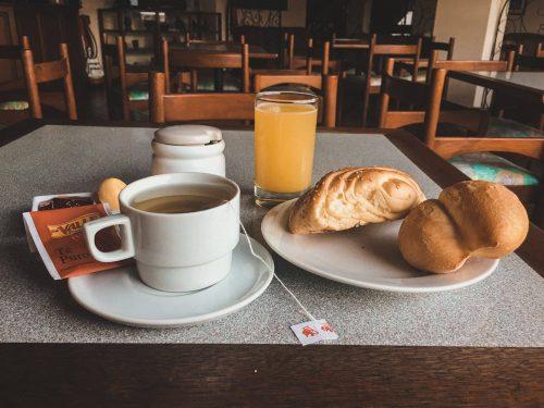 Śniadanie kontynentalne w hotelu