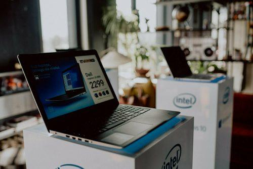 Laptopy intel