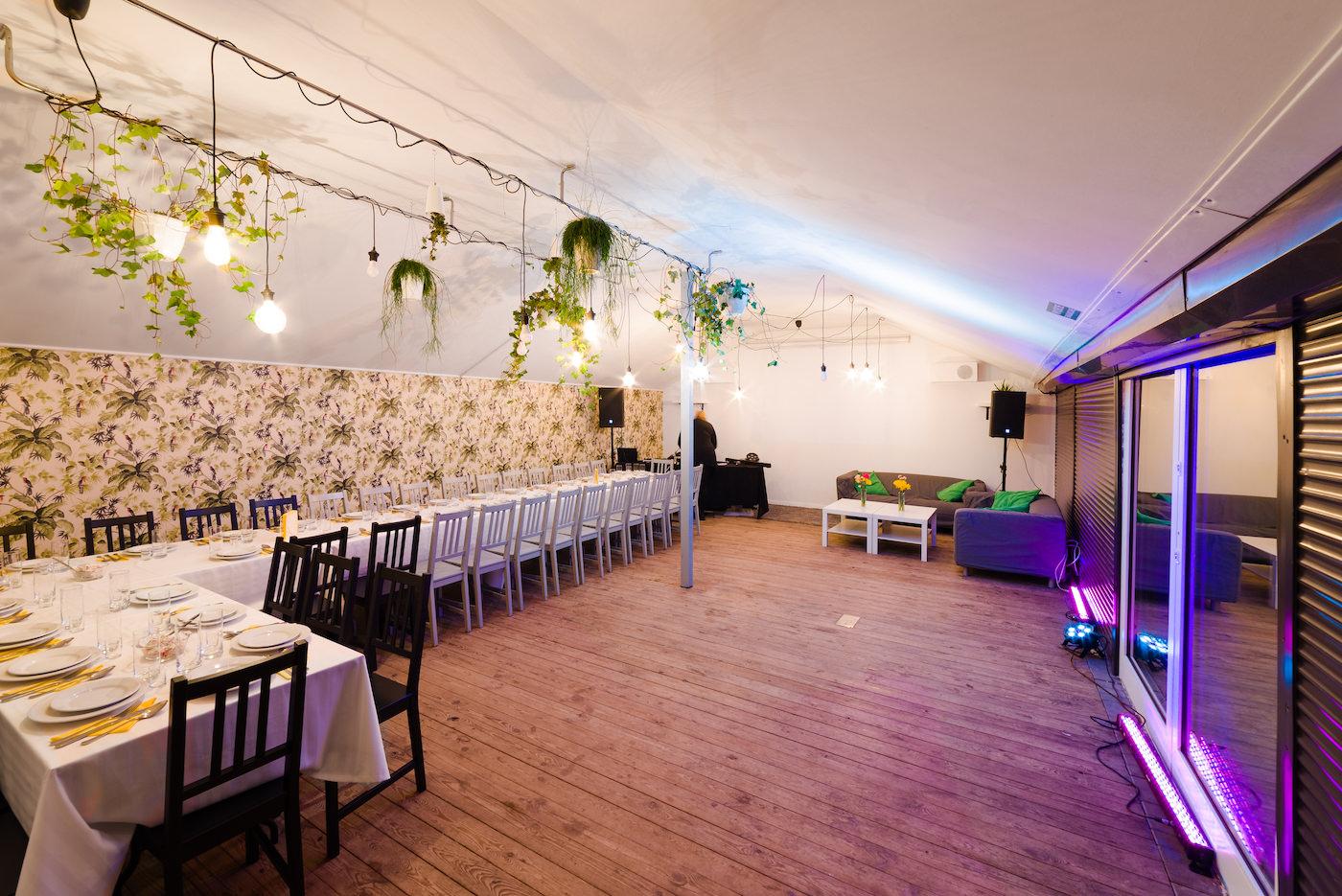 Fotografia wnętrz pubu w Warszawie