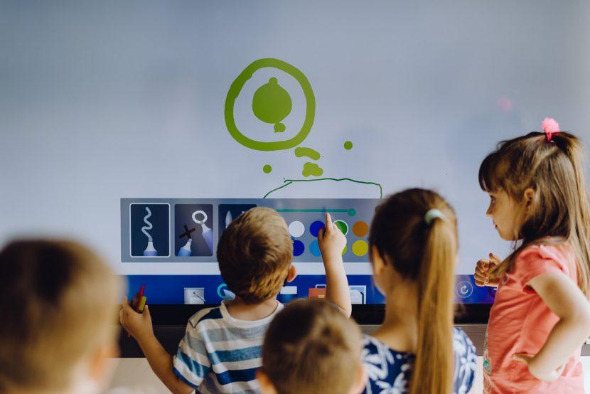 Tablica multimedialna dla dzieci