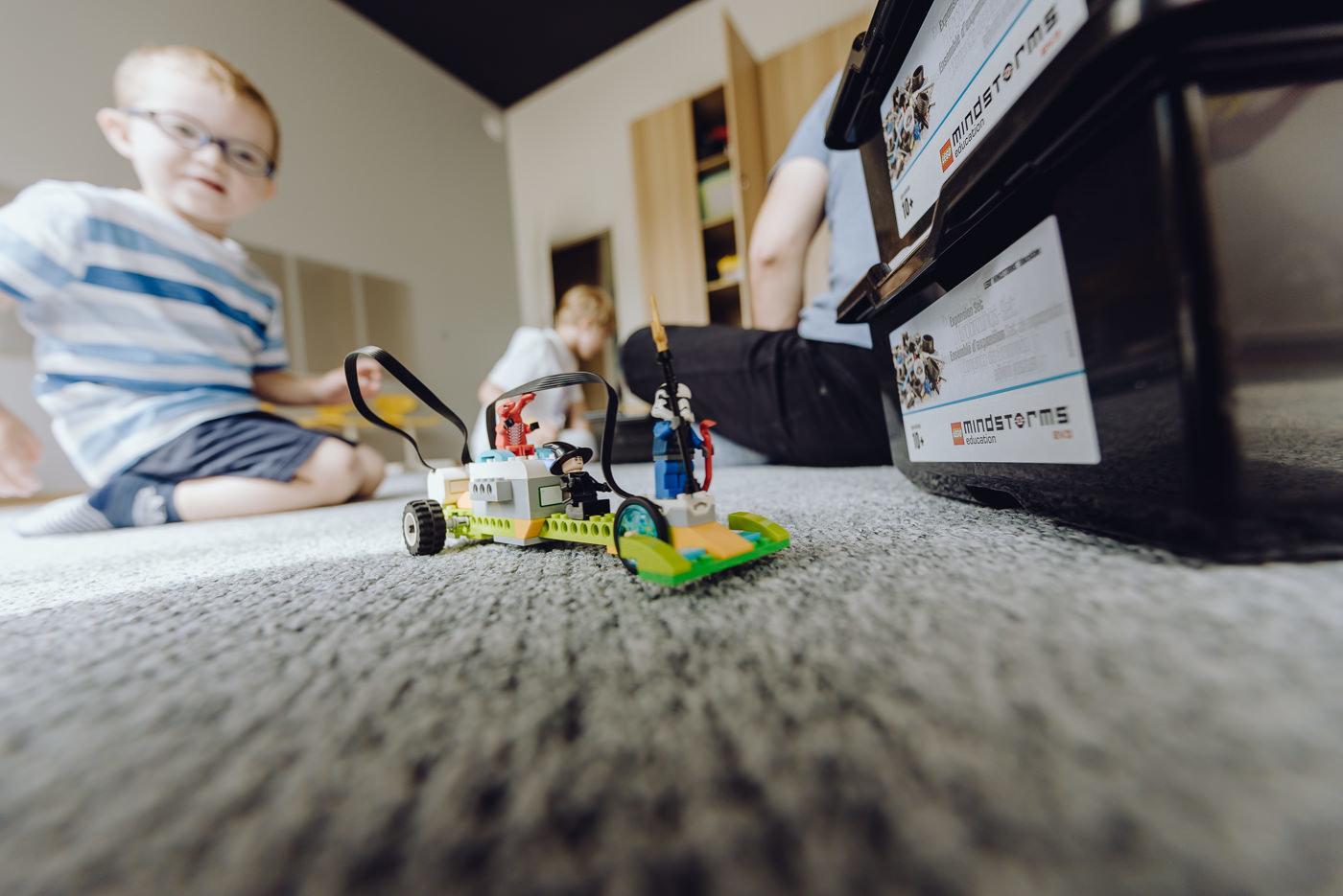 Zajęcia z klockami lego samochód zdalniesterowany