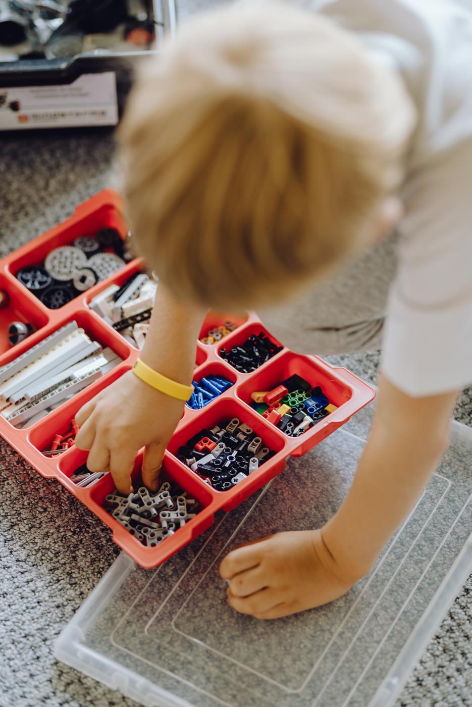 Lego technics czerwone pudełko
