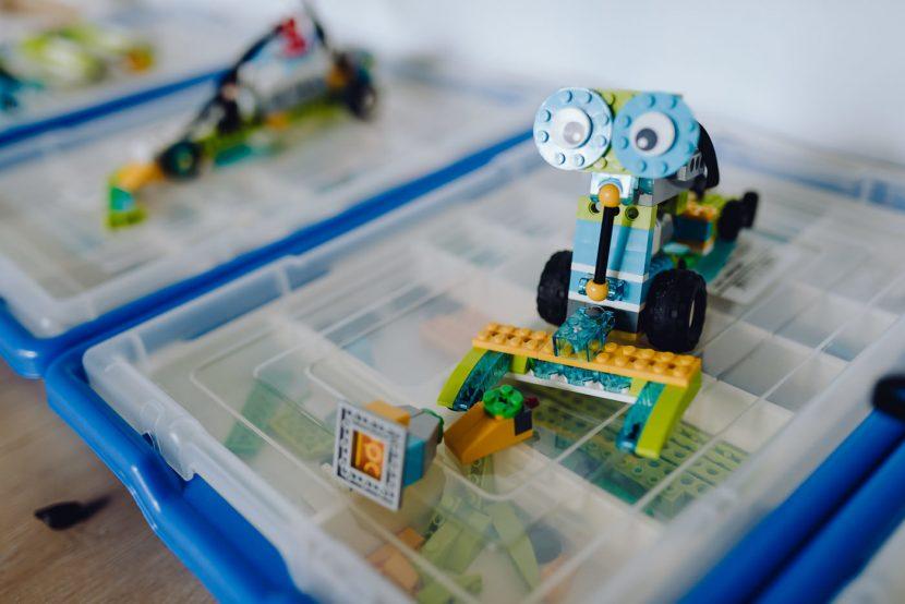 Robot z klocków lego