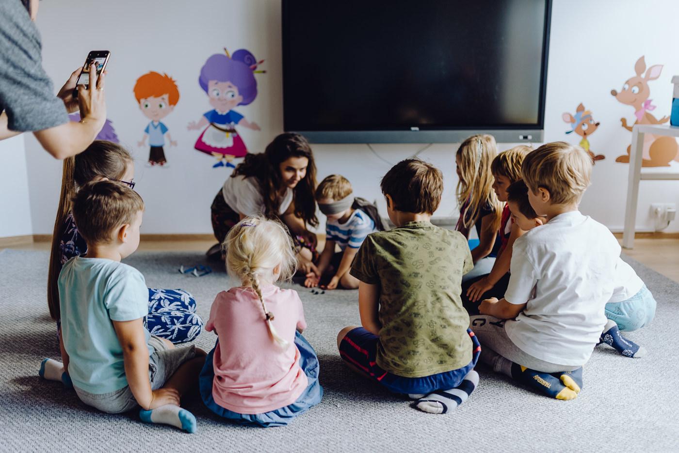 Dzieci podczas zajęc