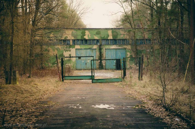 tajna baza wojskowa w lesie