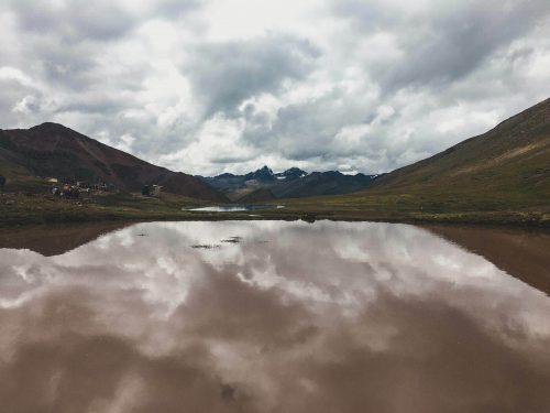 Wielka kałuża w górach