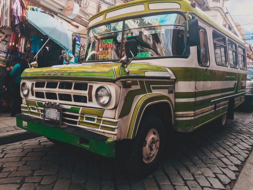Zielony autobus Dodge