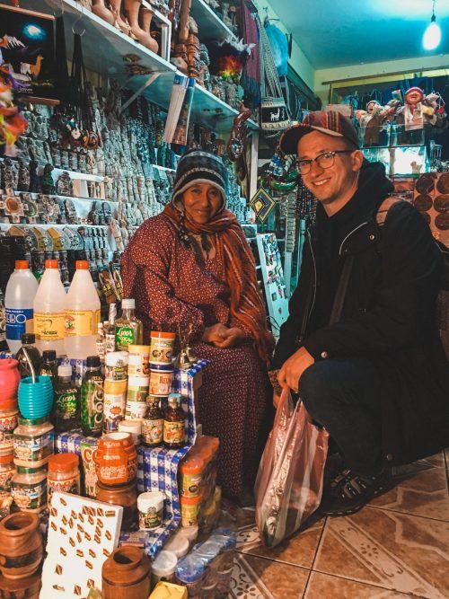 Sprzedawczyni w sklepie