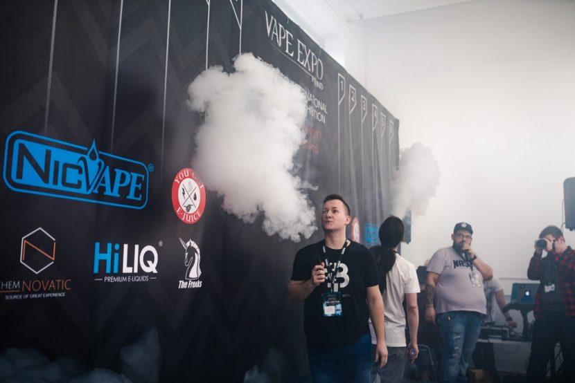 Competition for the biggest e-cigarette cloud
