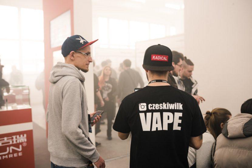 Czech wolf VAPE and radical cap