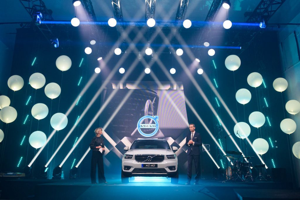 Volvo XC40 on stage in the rainbow studio