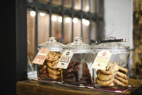 Czekoladowe ciasteczka w słoikach