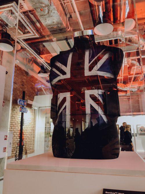 Kamizelka z flagą wielkiej Brytanii