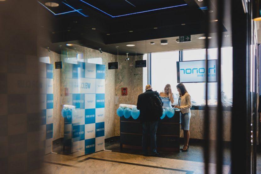 Rejestracja gości na event marki honor w klubie Level 27