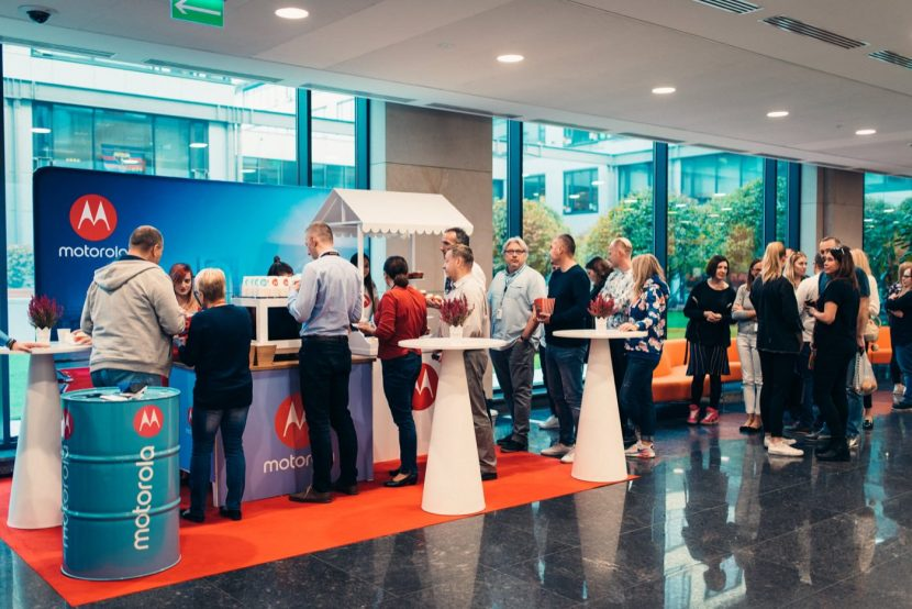 00022 fotograf eventowy miasteczko orange motorola - Urbanflavour.pl