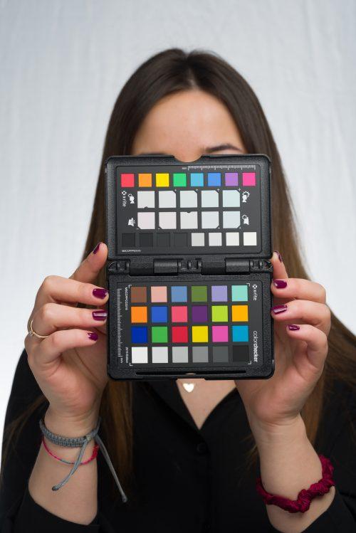 Zdjęcie z próbnikiem ColorChecker Passport 2 z gotowym profilem