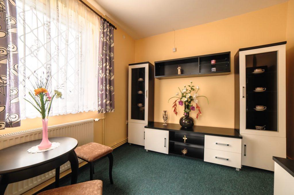 Zdjęcia domu na sprzedaż - mały pokój