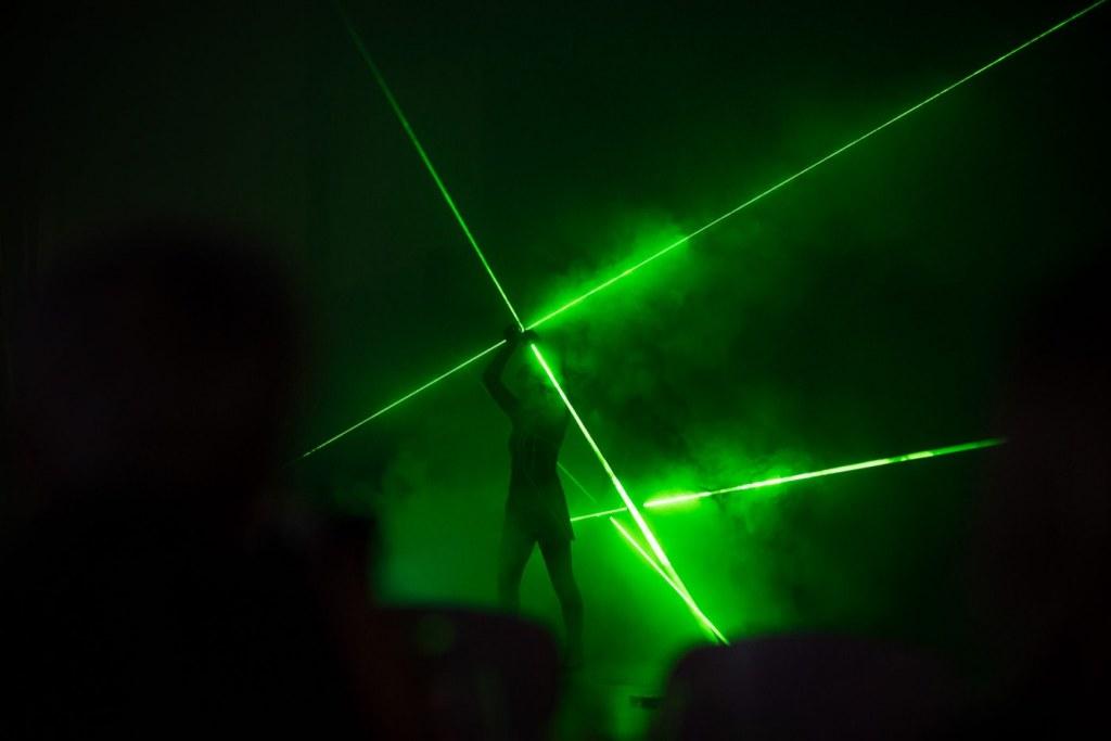 Pokaz laserów na event